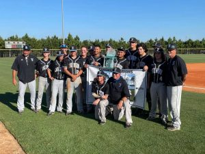 Photo of Lake Region High's Bill Bullock with players