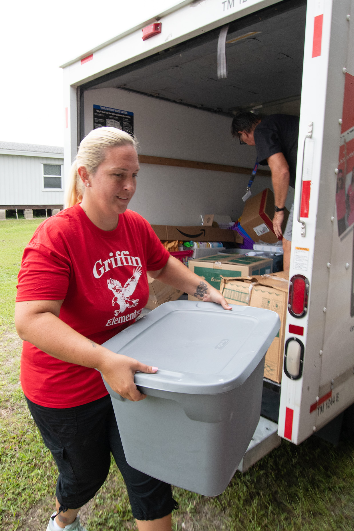 Jennie Cyran moving into her new classroom at Griffin Elementary