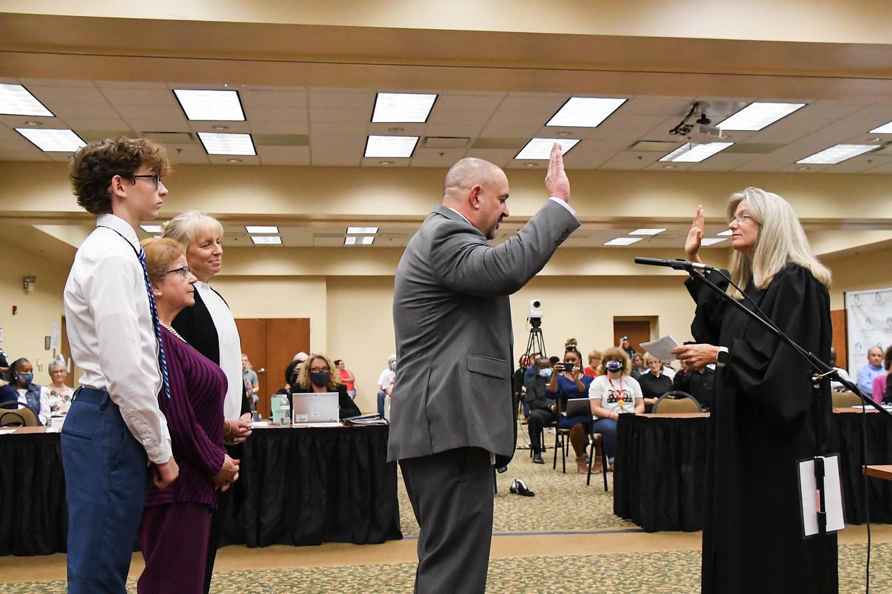 Photo of Supt. Heid being sworn in.